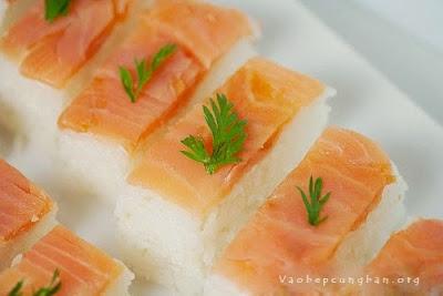 Cách làm sushi cá Hồi Nhật Bản 7
