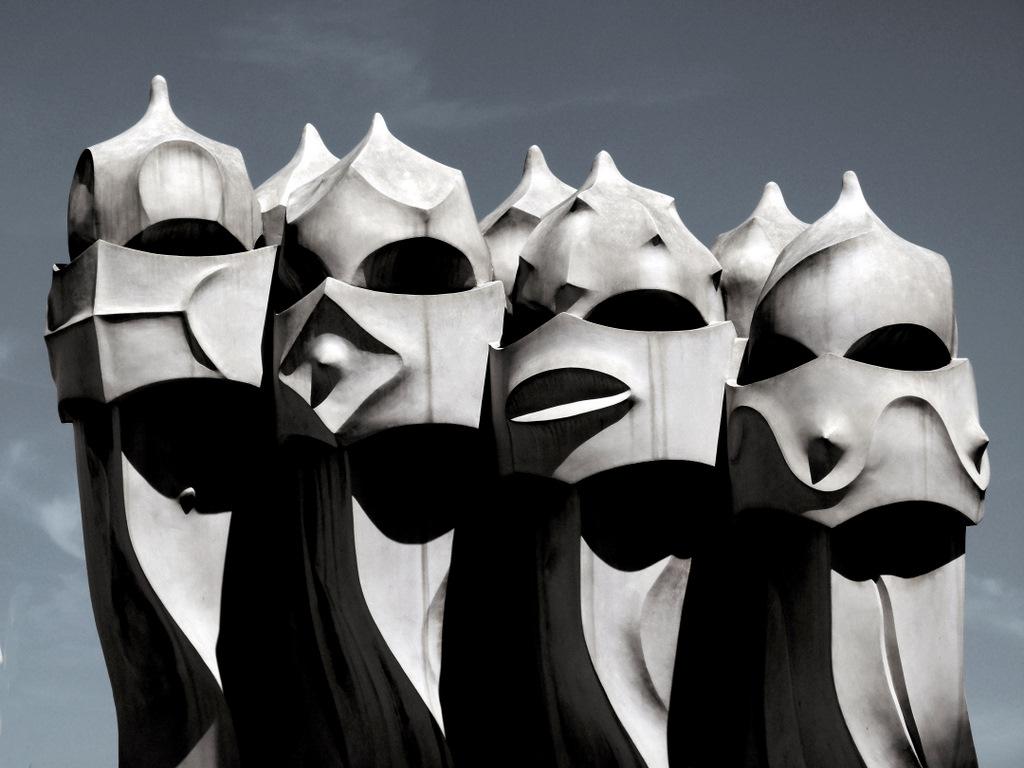 El nadador de Níquel: Gaudi, guerreros en la azotea, Barcelona