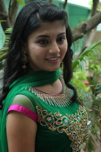 Nimisha Suresh hot
