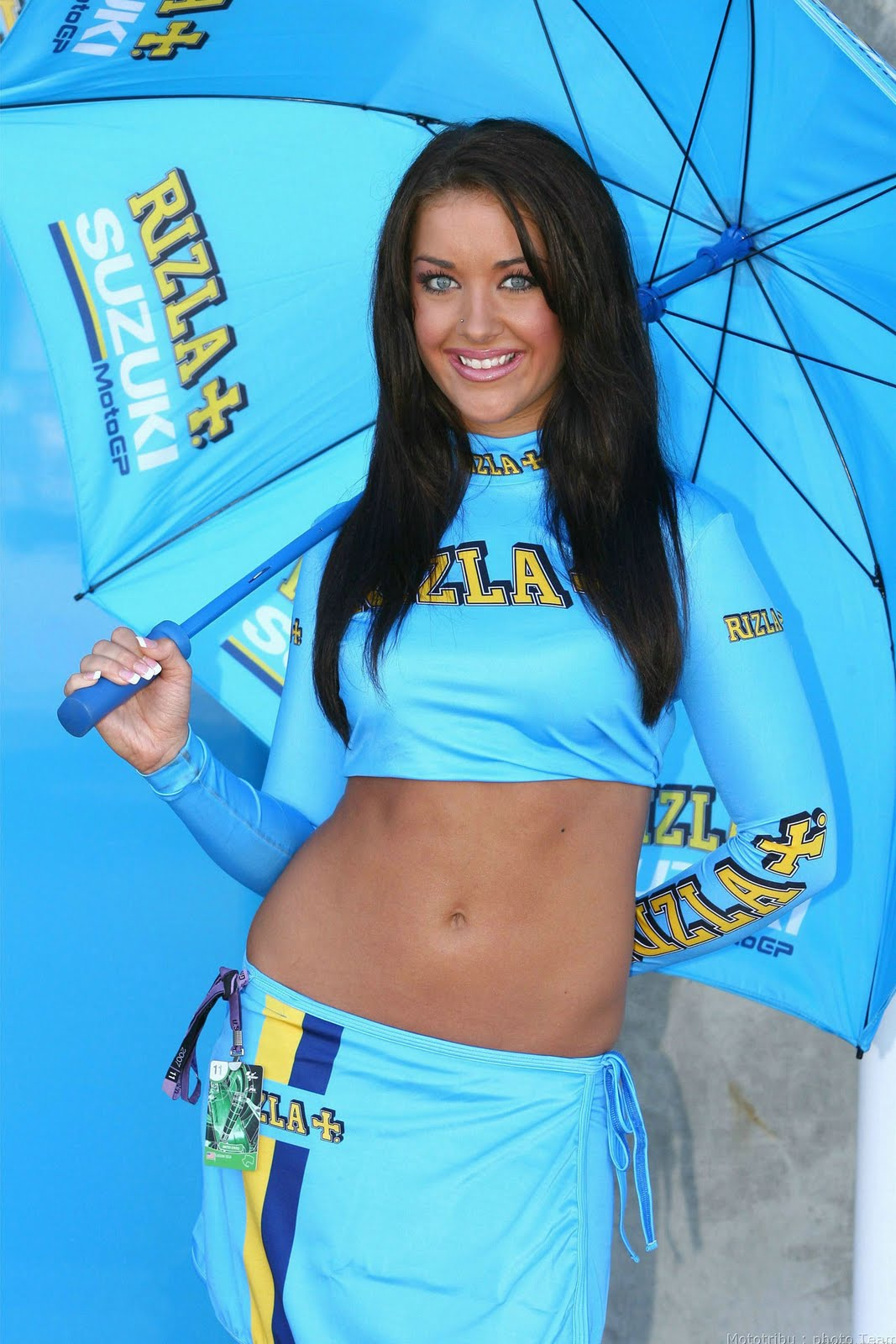 Sexy Umbrella Girl Paddock
