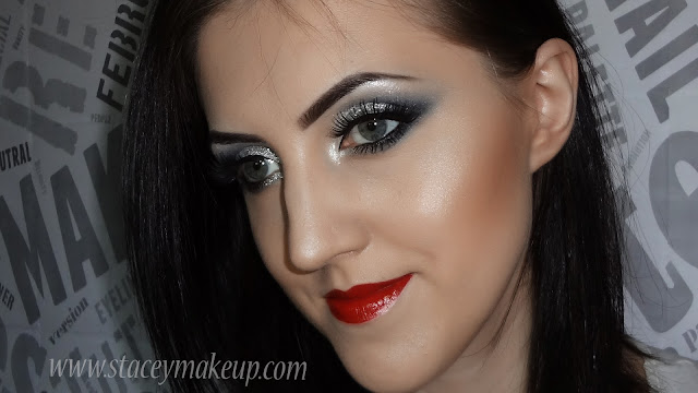 grey_smokey_eyes