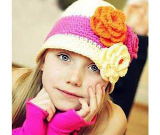Gambar Anak Perempuan Manis dan Imut Pakai Topi