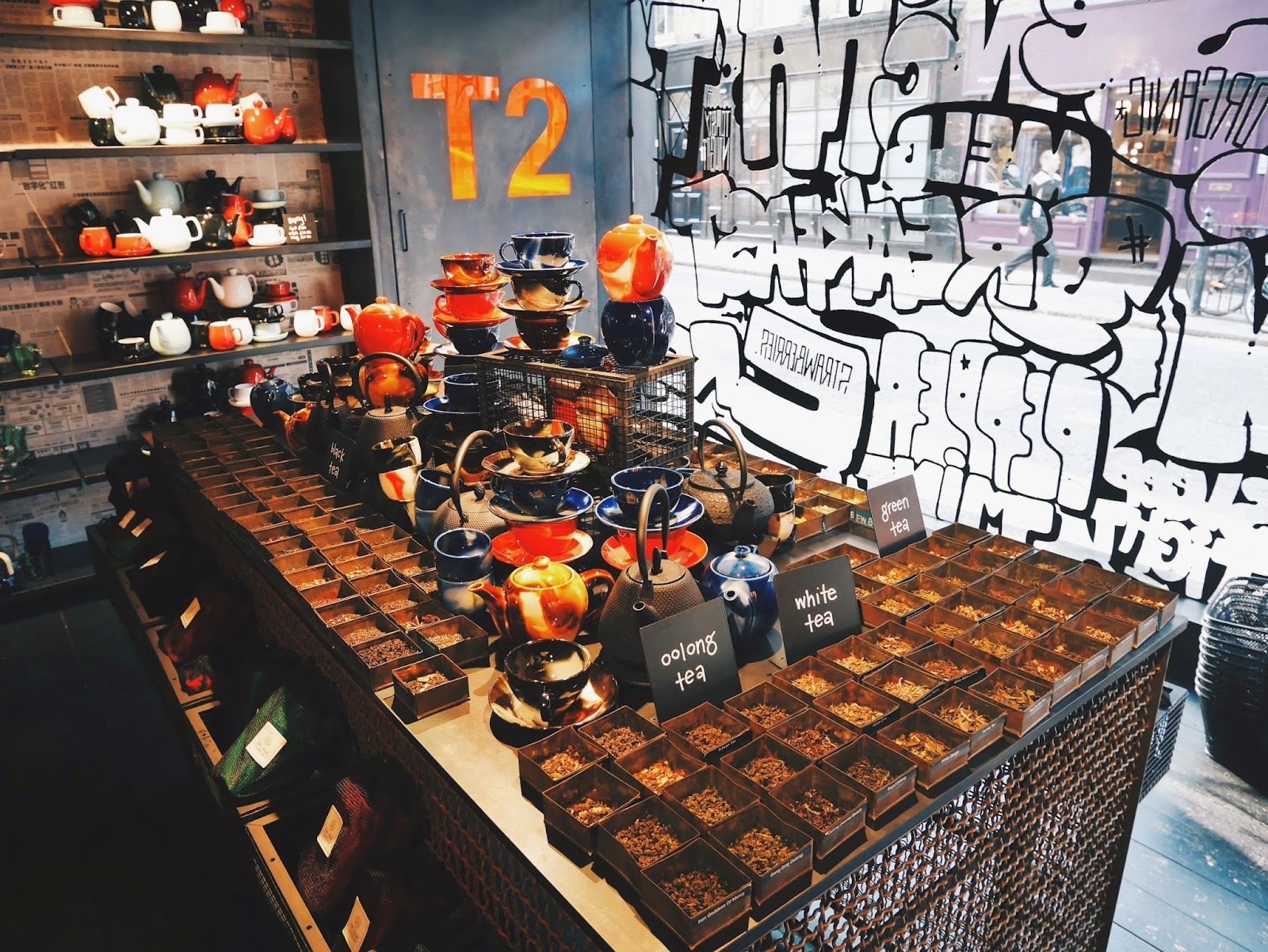 T2 Tea Centre Island