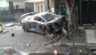 kecelakaan mobil Lamborghin