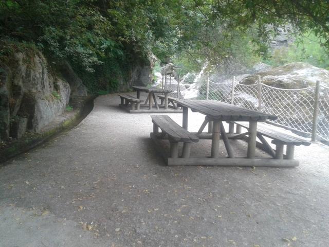 Mesas Parque de Merendas da lapa dos Dinheiros