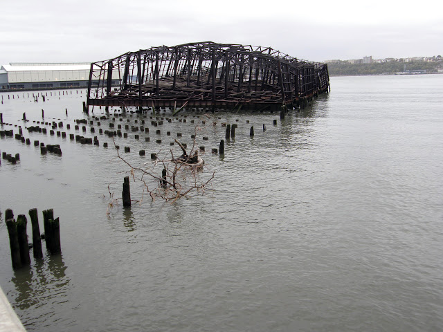 Pier D, Hudson River (2008)