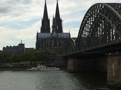 Cruzar el Rhin de Colonia   Mit der Seilbahn in Köln über den Rhein