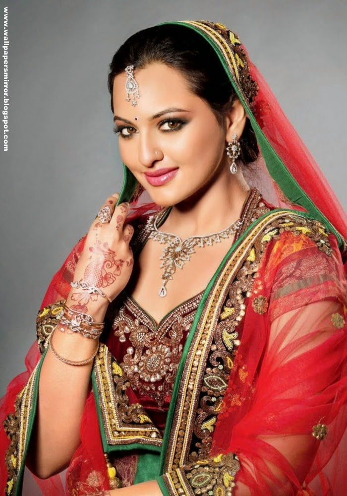 Sonakshi Sinha in Sari hd wallpapers