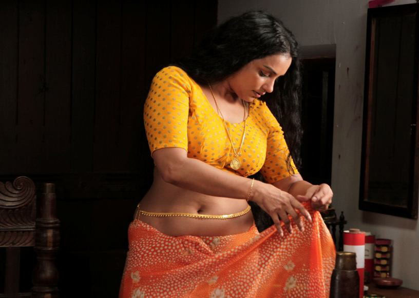Sexy actress swetha menon