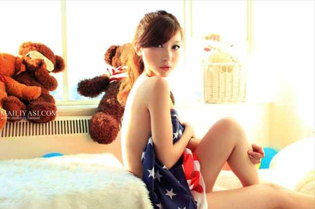 Li Fan biography and photos gallery