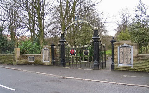South Moor Memorial Park gates, 2005, John-Paul Stephenson