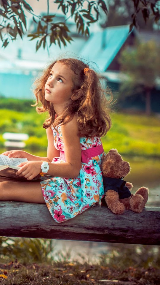 Little Girl with Teddy Bear   Galaxy Note HD Wallpaper
