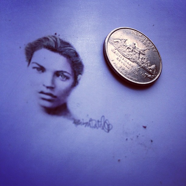 16-Kate-Moss-Hash-Patel-ilovehash-Celebrity-Detailed-Micro-Miniature-Drawings-www-designstack-co