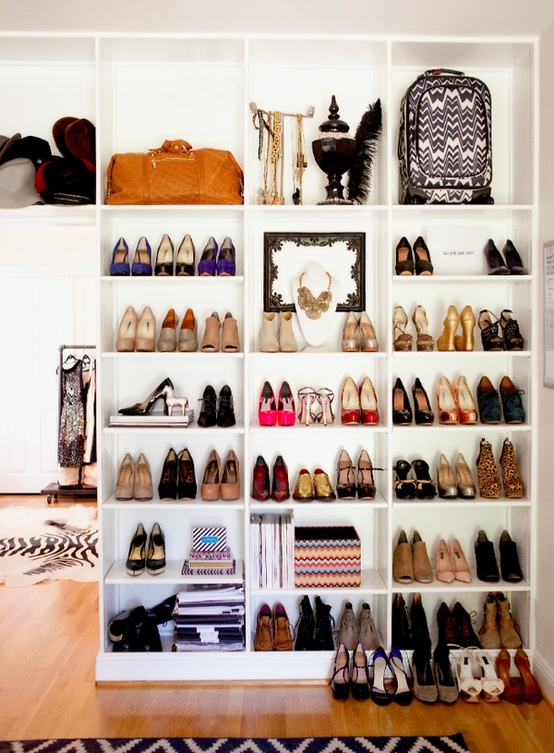 open shoe shelving