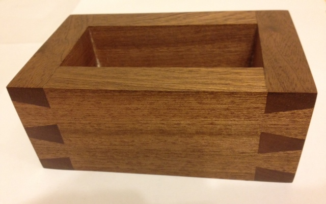 Here Is Joeu0027s First Attempt With My Dovetail Guide And Heu0027s Done A Fine Job  With This Chunky Little Box. Keep The Photos Coming!