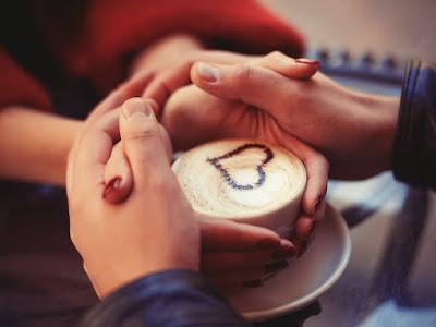 fotos de manos de enamorados
