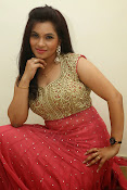 Revathi Chowdary sizzling Photos-thumbnail-14