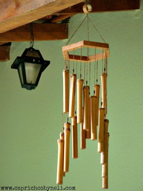 Mensageiro dos ventos em bambu na decoração de varanda