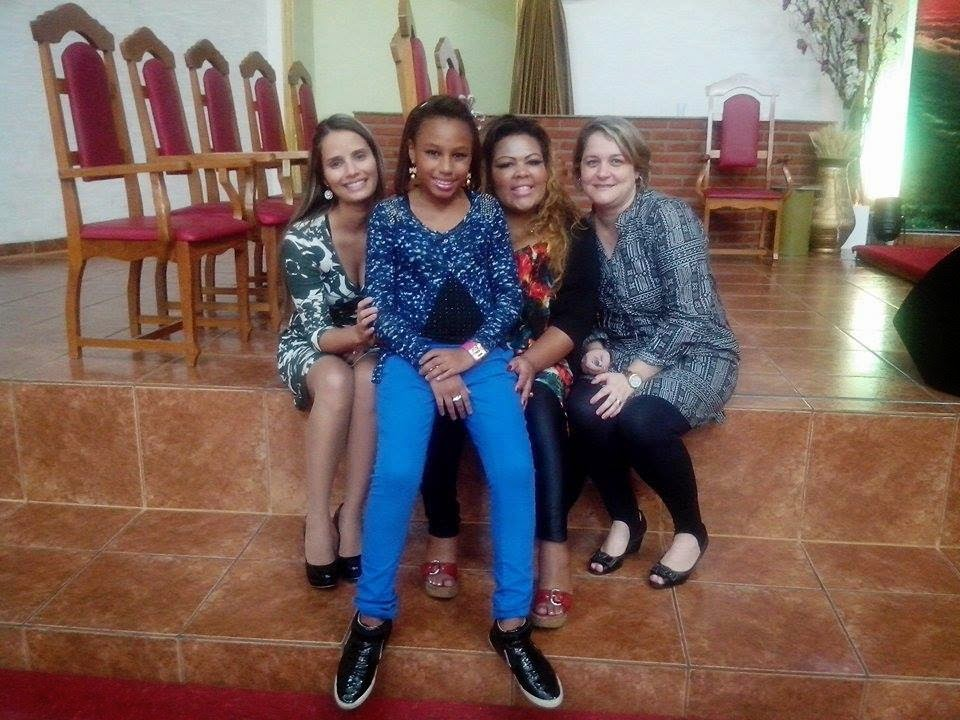 Deise ( Fat family ) com Marcia Bueno e Manu Bertolino