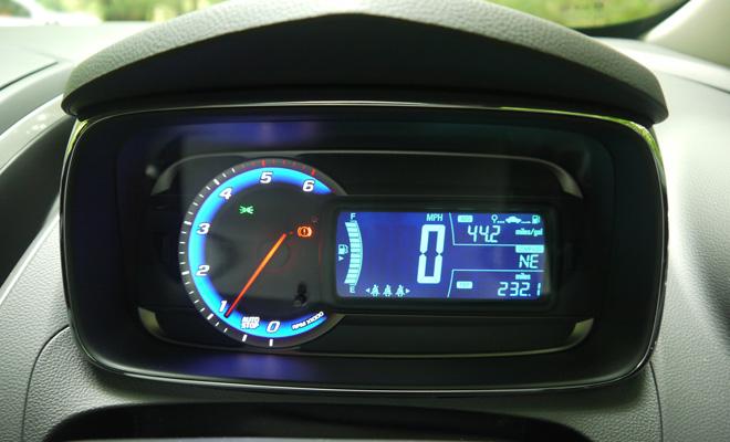 Chevrolet Trax instrument pod