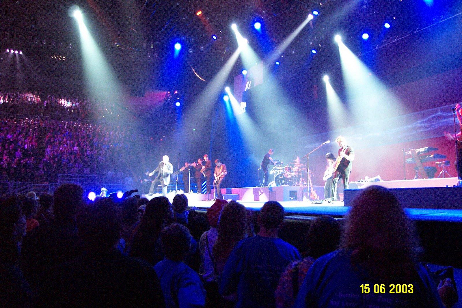 Sean andi 39 s concert photos john farnham rod laver for Door 9 rod laver arena