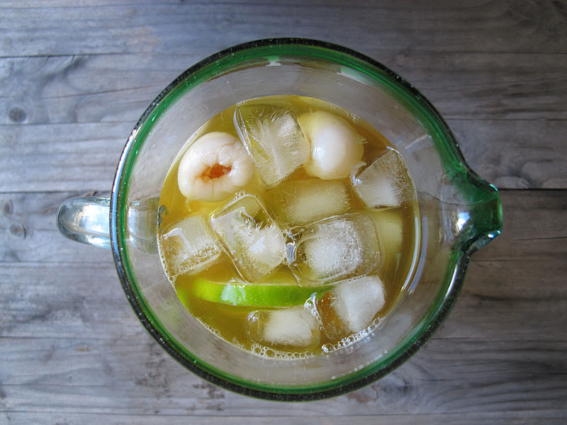 Morsels and Musings: iced green tea w lychees & lime