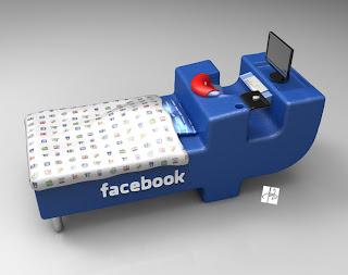 السرير الجديد المصمم خصيصا لمدمني الفيسبوك !!