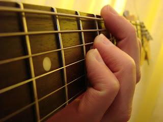 Music Tutorial: Tips Bermain Gitar Pemula & Guitar Chords Chord Kentrung Senar 3 Lagu
