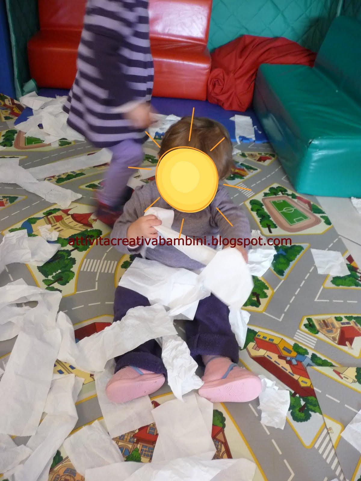 Giochiamo con la carta igienica for Divanetti per bambini