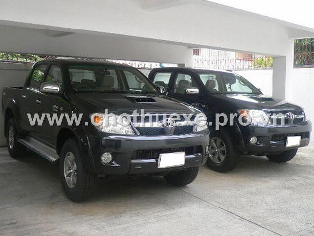 Cho thuê xe bán tải Toyota Hilux 2 cầu