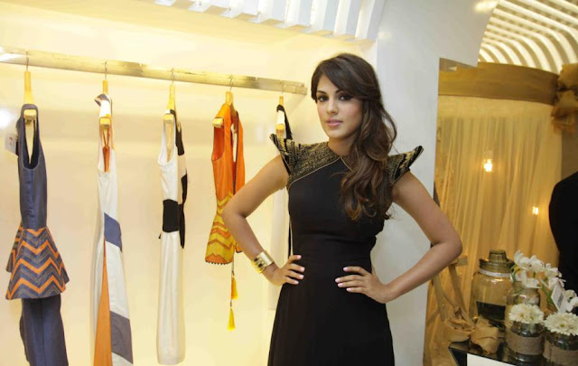 Rhea Chakraborty Looks Super Sexy In a Black Dress At Divani 1st Anniversary