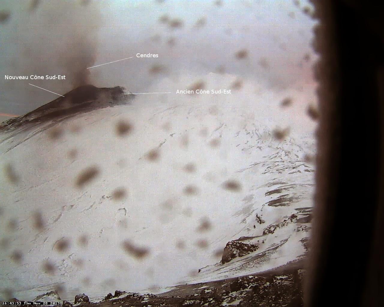 Activité éruptive du volcan Etna, 28 novembre 2013