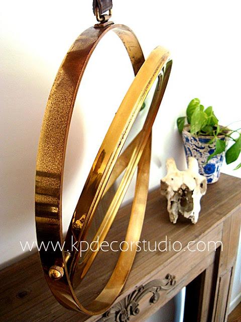 Espejo antiguo dorado forma circular de latón y bronce