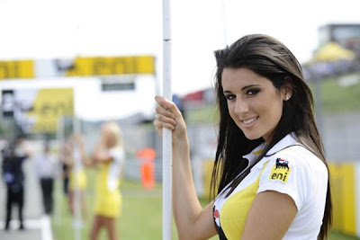 Umbrella Girl Motogp 2016