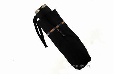 Kieszonkowy parasol Pierre Cardin model 7290 ma długość zaledwie 20cm