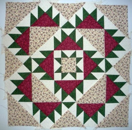 AUNT LUCY'S MEDALLION QUILT PATTERN BY LORI SMITH at Hancocks