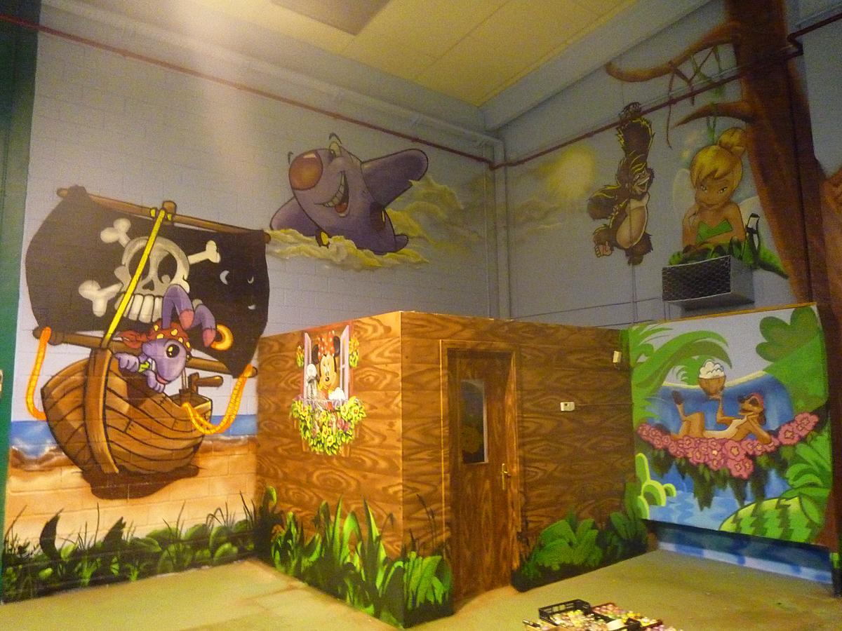 Berok graffiti mural profesional en barcelona xxl for Murales infantiles