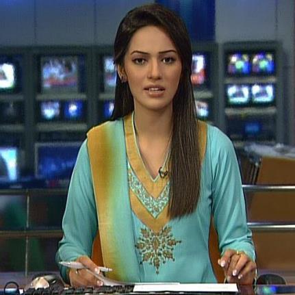 fashion hang out : ayesha bakhsh news presenter/geo tv