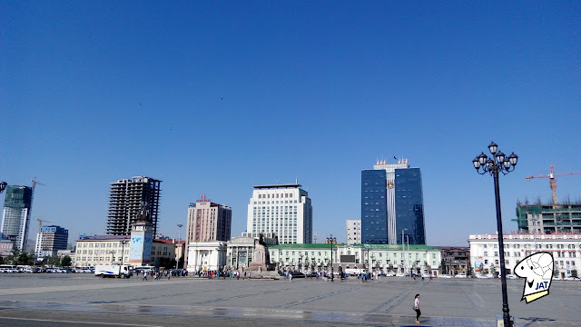 Chinggis Khaan Square (formally Sukhbaatar Square)
