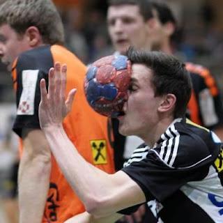 Pelotazo de handball en la cara: IMPRESIONANTE!