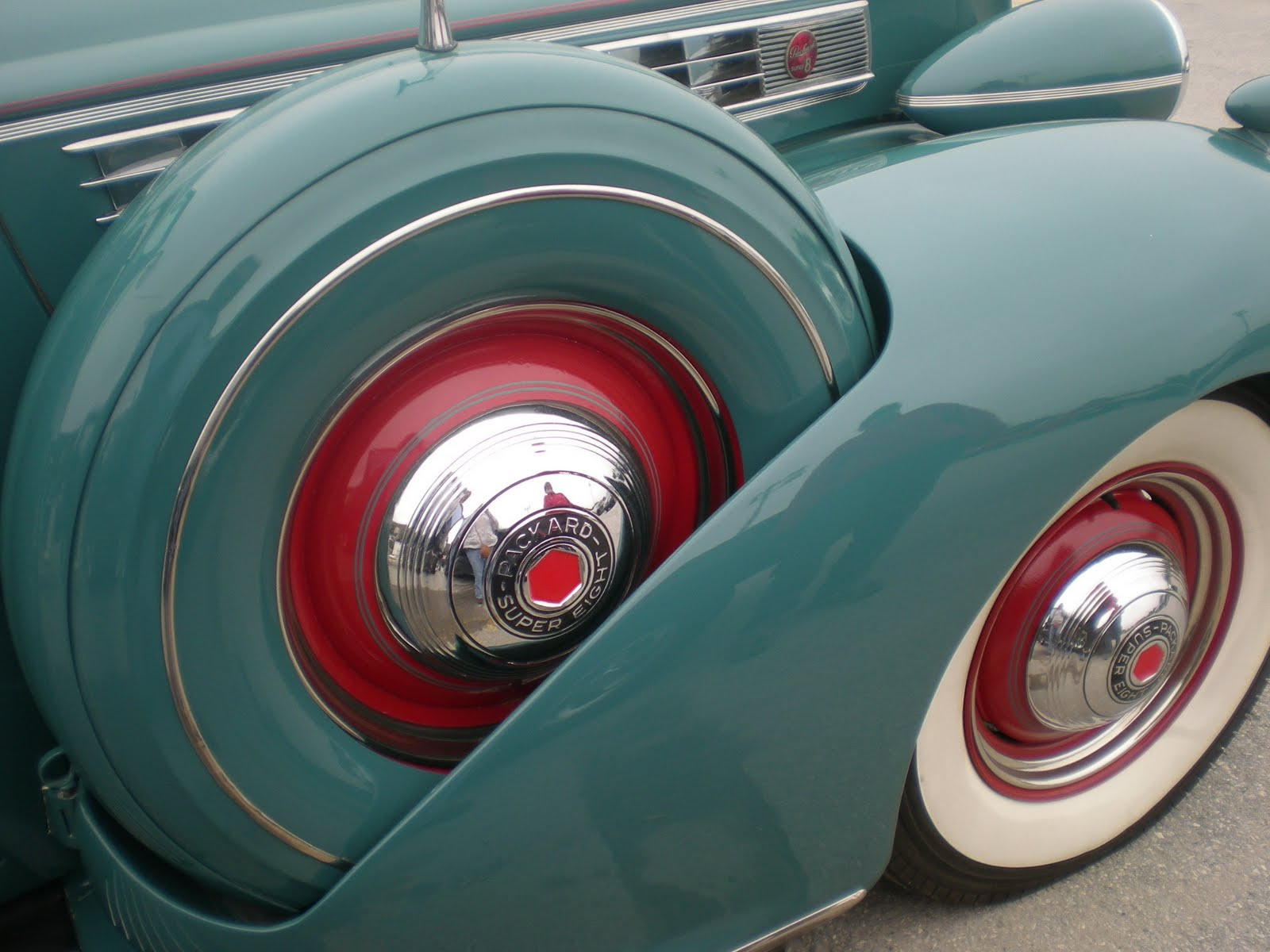 Jarvis House: New York AutoFest Vintage Car Tires And Tail Lights ...