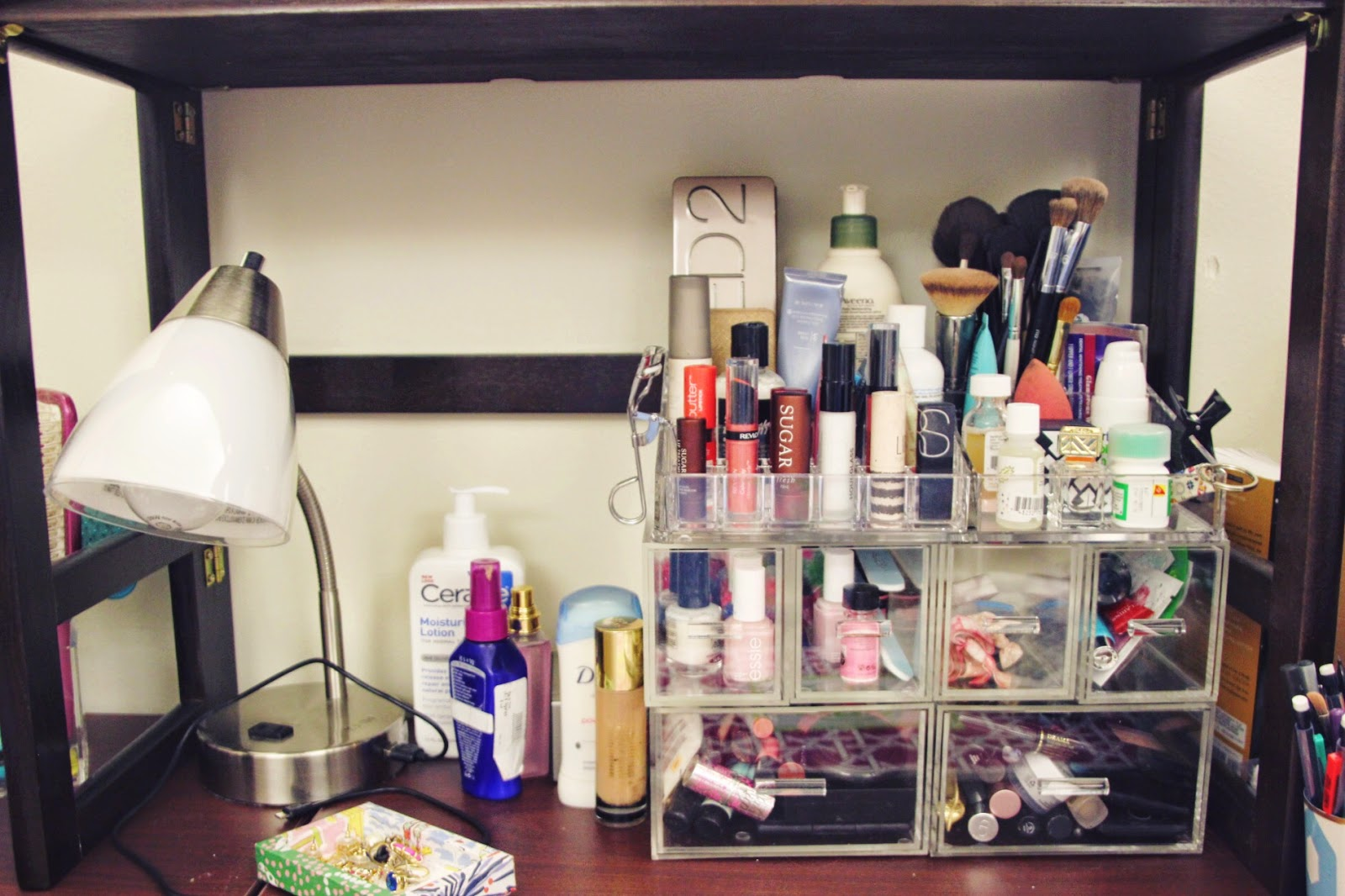 Since The Drawers And Dividers Are Stacked A Lot Of Space Is Available On  My Desk For Things Like My Lamp, Hair Products, And Anything Else!