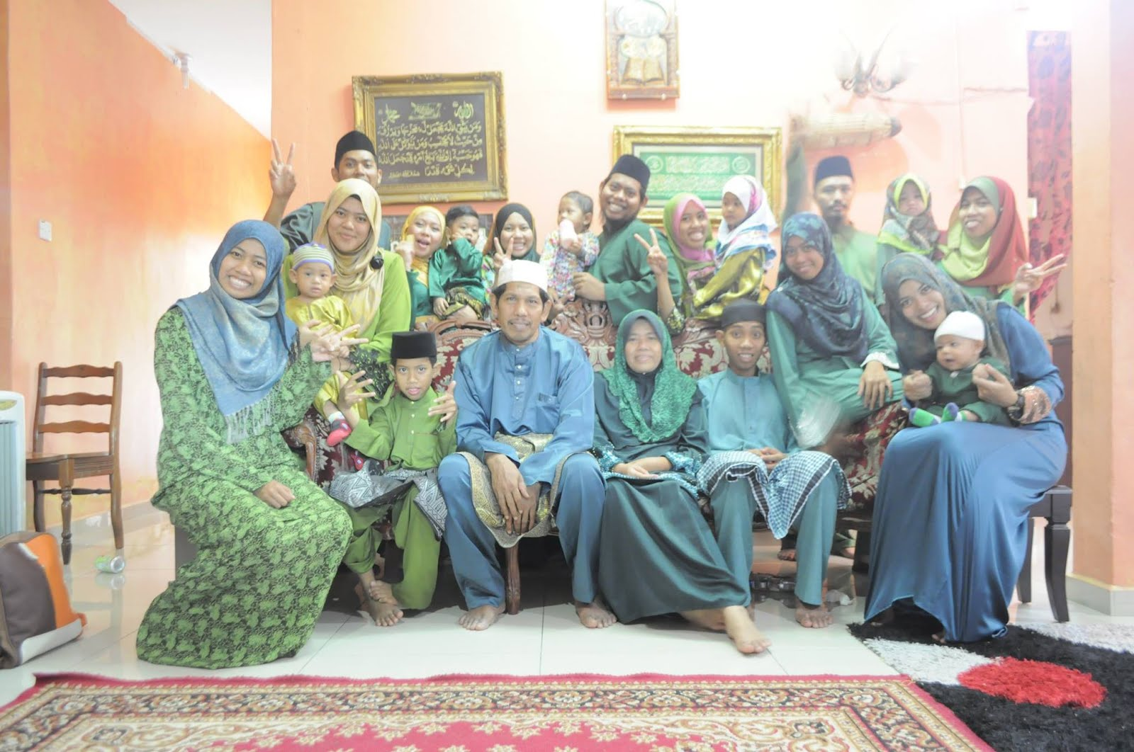 my beloved family... (Oo,)..