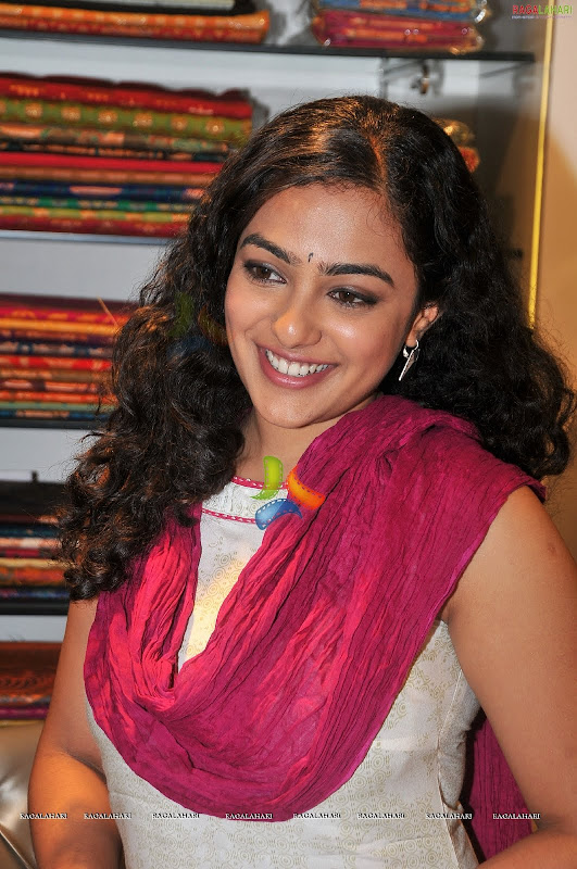 Nithya Menonsexy photoshoothot south Indian actress in cute exposuresHQ gallery wallpapers