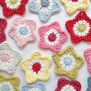 نجمة كروشية 2.. Crochet-easy-star-pattern-tutorial-free-300x300