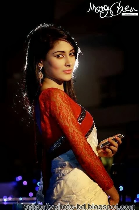 Mehjabin+Chowdhury+Looking+Nice+In+Saree