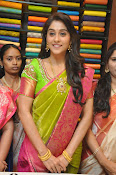 Regina photos at chennai shopping mall-thumbnail-10