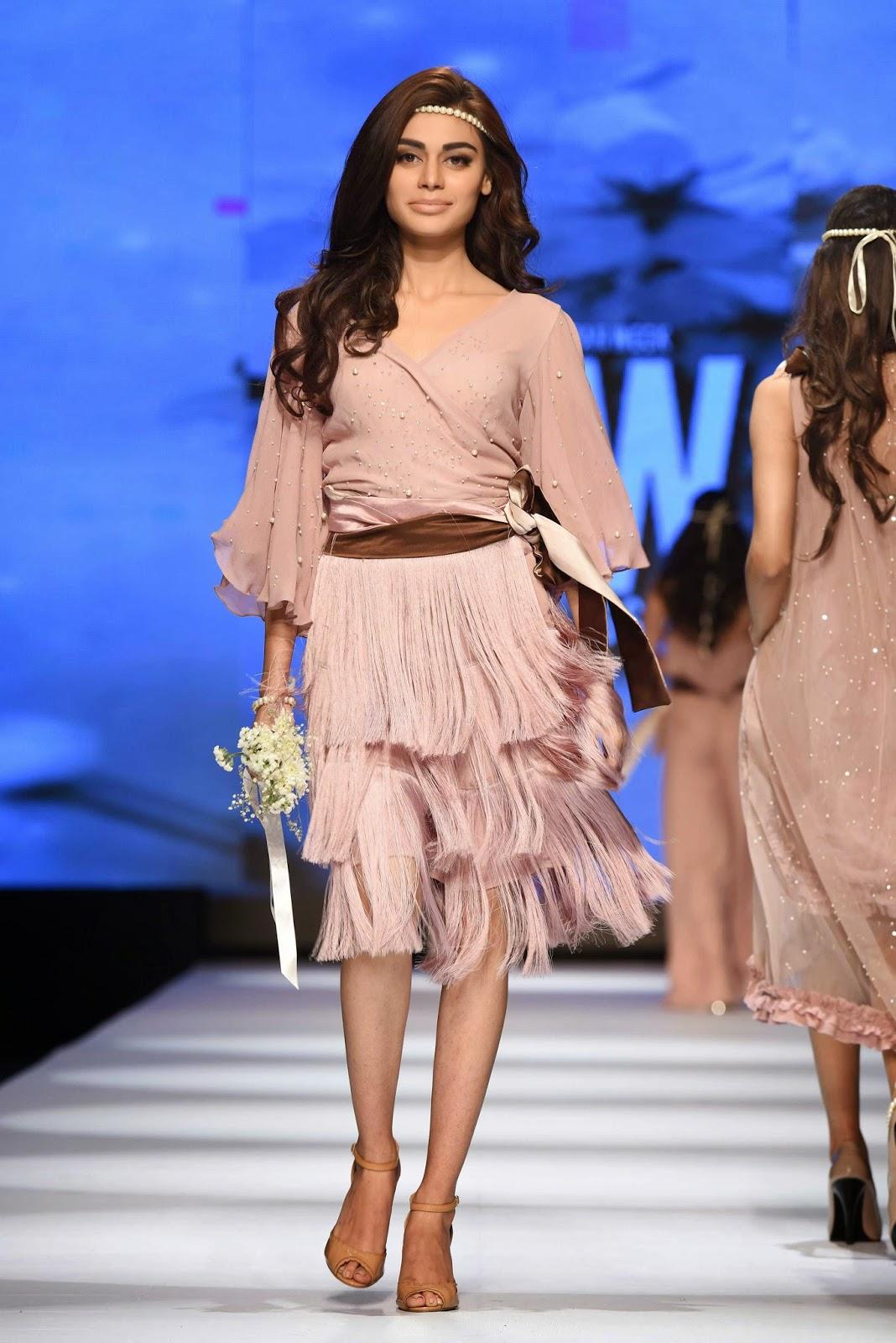 sadaf kanwal Sadaf Malaterre Telenor Fashion Pakistan Week Day 1