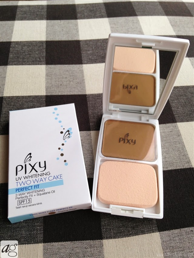 UV Whitening Two Way Cake Perfect Fit Compact | BDJ Box