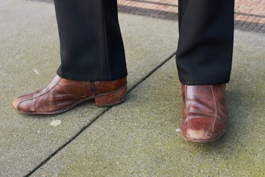 the comforts dress for success tip 2 shoe shine